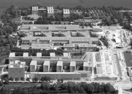 Portfolio IEP: Neubau Leibniz Rechenzentrum mit Instituts- und Hörsaalgebäude Luftansicht