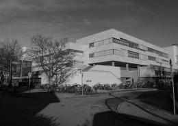 Portfolio IEP: Generalsanierung Schulzentrum Gerastraße 6 in München - schwarz-weiß