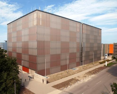 Portfolio IEP: Leibniz Rechenzentrum Ansicht Rechnergebäude