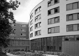 Portfolio IEP: Sanierung und Erweiterung des Schwestern-Altenheims St. Josef, Menzinger Str. 44 - schwarz-weiß